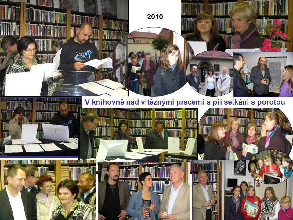 V knihovně nad vítěznými pracemi a při setkání s porotou 2010