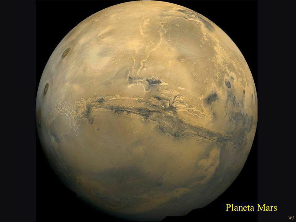 Otázka:Jaká je vzdálenost Země od planety Mars? Odpověď: Vzdálenost se mění v průběhu oběžné dráhy Marsu kolem Slunce – pohybuje se mezi 55 mil. až 40
