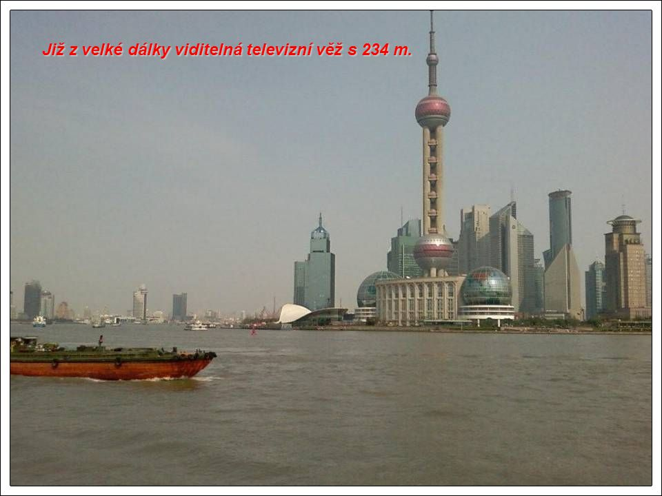 Nové výškové budovy v Shanghai.