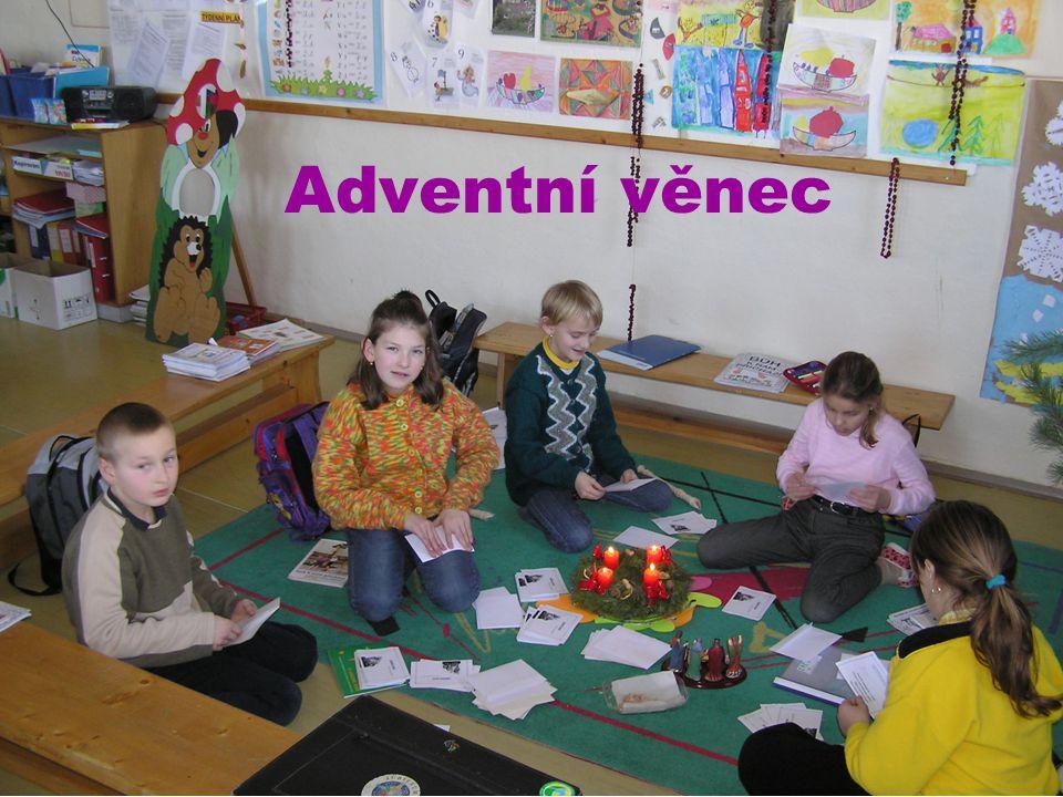 ADVENT Advent je dobou očekávání příchodu Spasitele na svět. Slovo Advent pochází z latiského