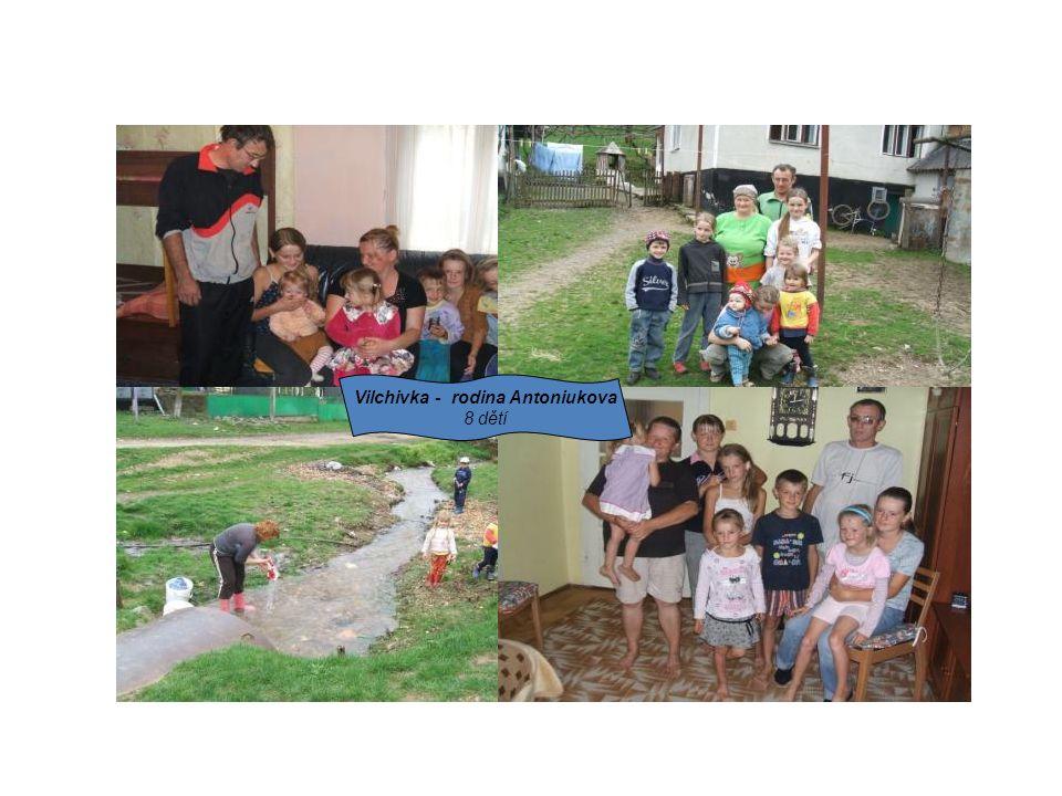 Vilchivka - rodina Antoniukova 8 dětí