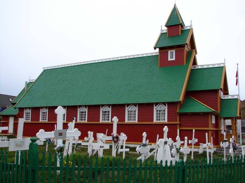 V lednu tu průměrná teplota padá až k minus 34 stupňům. V Grónsku doba ledová ještě zdaleka neskončila. Možná i to je důvod, proč je právě tady oficiá