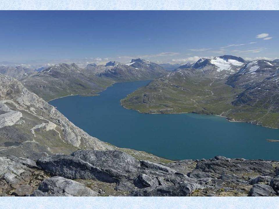 Oficiálním jazykem v Grónsku je grónština.