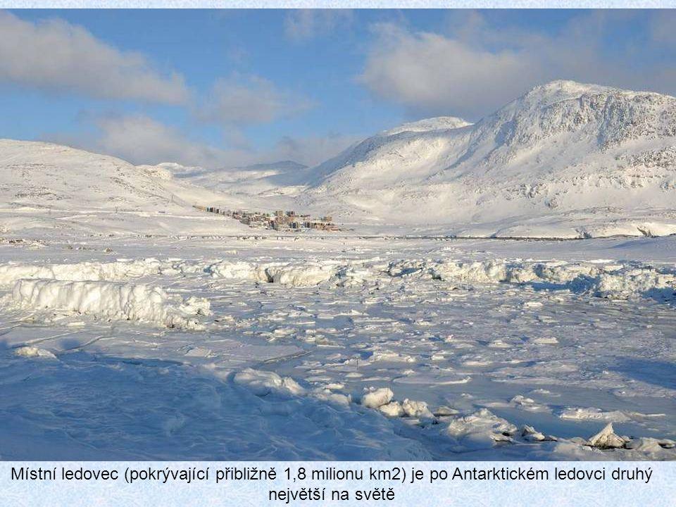 Místní ledovec (pokrývající přibližně 1,8 milionu km2) je po Antarktickém ledovci druhý největší na světě