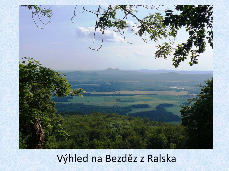 Výhled na Bezděz z Ralska