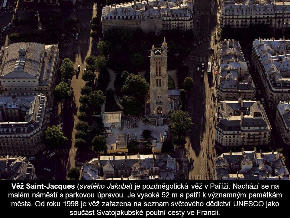 Ř eka Seine, její ostrovy a pohled na m ě sto Paris