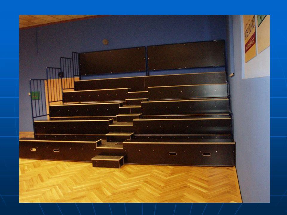 Teleskopická tribuna pro sportovní a kulturní účely Rozměry a design individuální dle požadavku