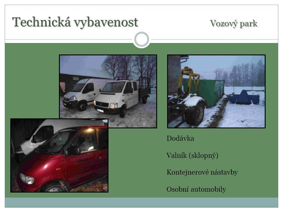 Strojní vybavenost Malotraktor John Deere / nakladač Štěpkovač Vermeer Sekačka Iseki / sběrný koš