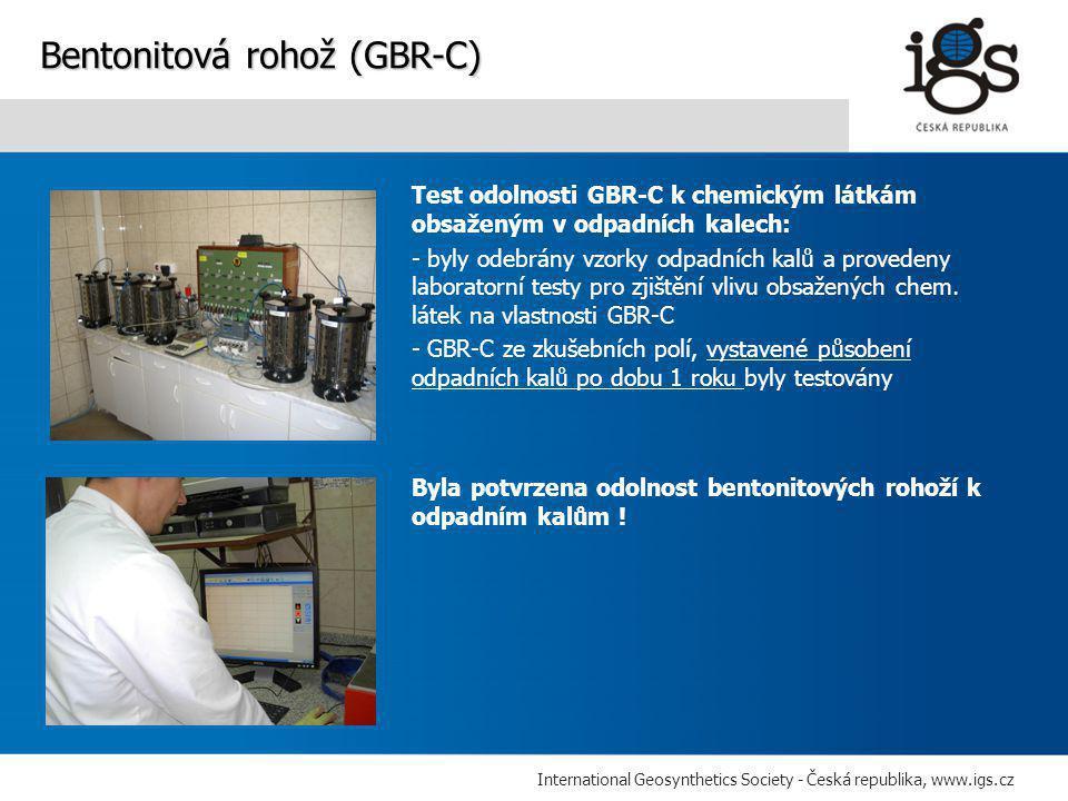 International Geosynthetics Society - Česká republika, www.igs.cz Test odolnosti GBR-C k chemickým látkám obsaženým v odpadních kalech: - byly odebrány vzorky odpadních kalů a provedeny laboratorní testy pro zjištění vlivu obsažených chem.