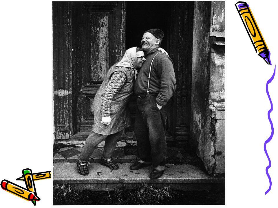 Formy spolupráce knihoven a seniorů * •Nejen hudební večery pro starší a pokročilé •Vlastivědné vycházky a zájezdy •Literární kvízy a soutěže pro pamětníky •Propojení generací mladých a starších při společných aktivitách v knihovně •Besedy se spisovateli, výtvarníky, kronikáři a dalšími…