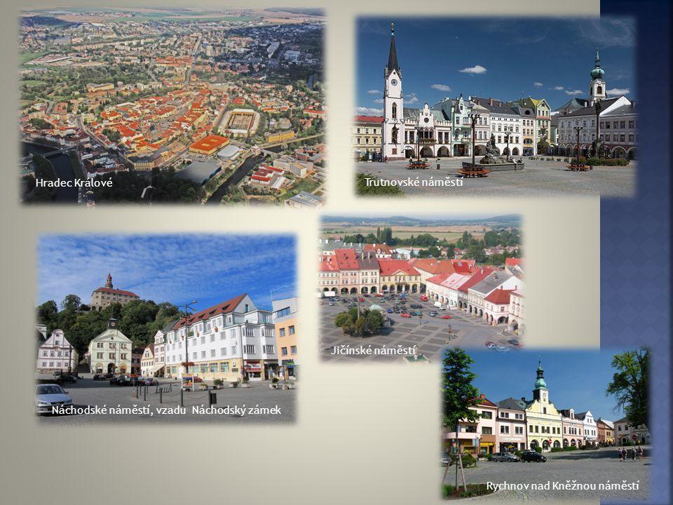  Momentálně 552 100 obyvatel  ke konci roku 2012 bylo celkem 552 946 obyvatel, což je 5,3 % obyvatel ČR  Nejvíce obyvatel je v Hradci Králové – 163 tisíc obyvatel  Naopak populačně nejmenší je okres Rychnov nad Kněžnou - 79 tisíci obyvatel