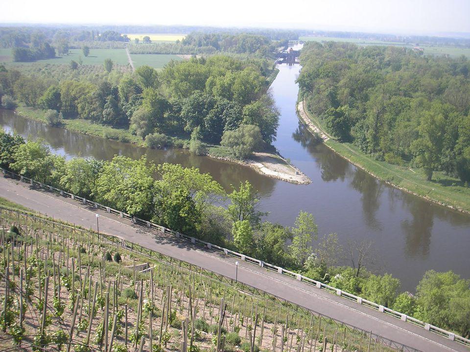 Ú KOL : Vypiš vodní nádrže na Vltavě ve správném pořadí od pramene po Prahu.