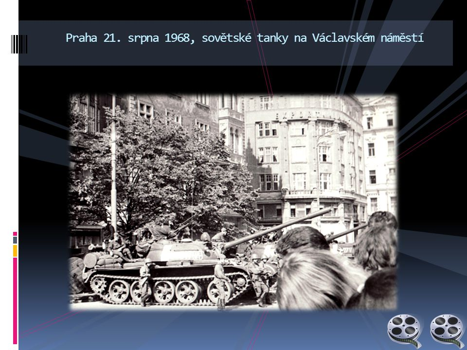 Praha 21. srpna 1968, sovětské tanky na Václavském náměstí