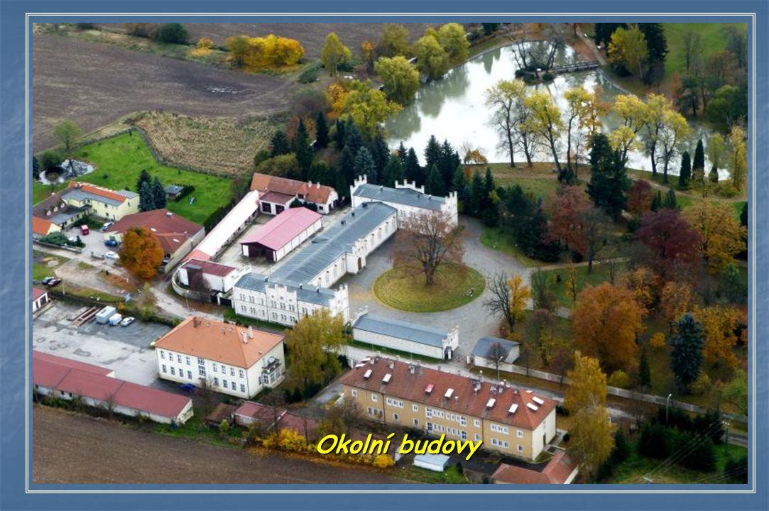 Na místě starší tvrze lovecký zámek císaře Rudolfa II.