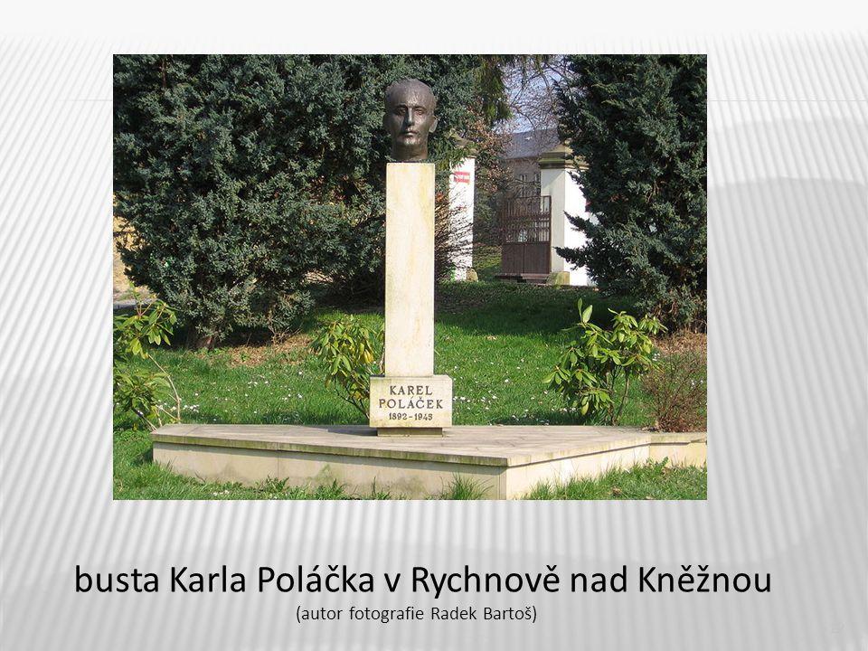 12 busta Karla Poláčka v Rychnově nad Kněžnou (autor fotografie Radek Bartoš)