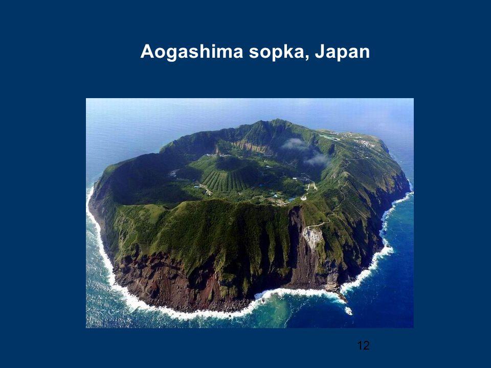 12 Aogashima sopka, Japan