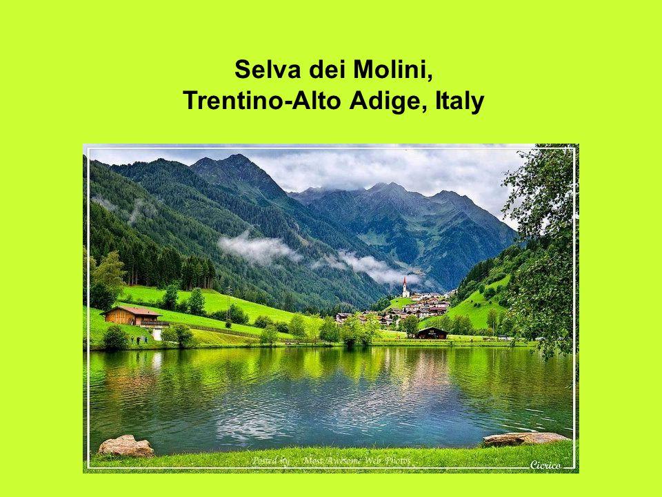19 Selva dei Molini, Trentino-Alto Adige, Italy