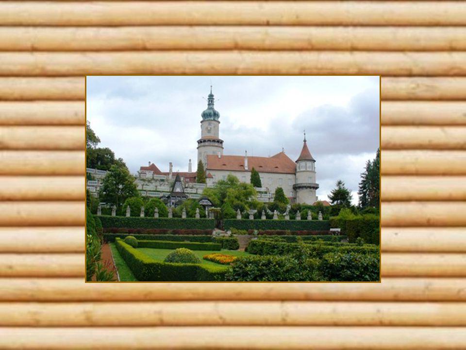 Proměna zahrady ve francouzkém stylu je také dílem architekta Jurkoviče.