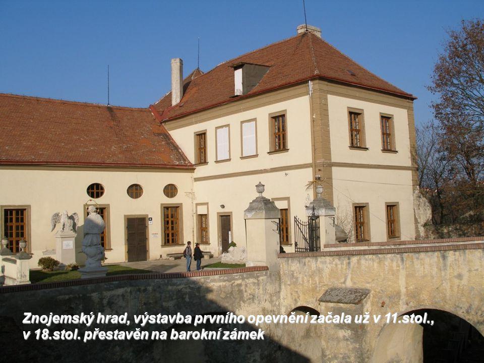 Znojemský hrad, výstavba prvního opevnění začala už v 11.stol., v 18.stol.