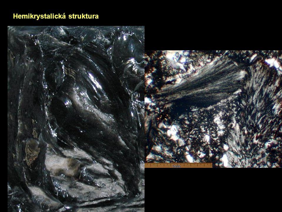Hemikrystalická struktura