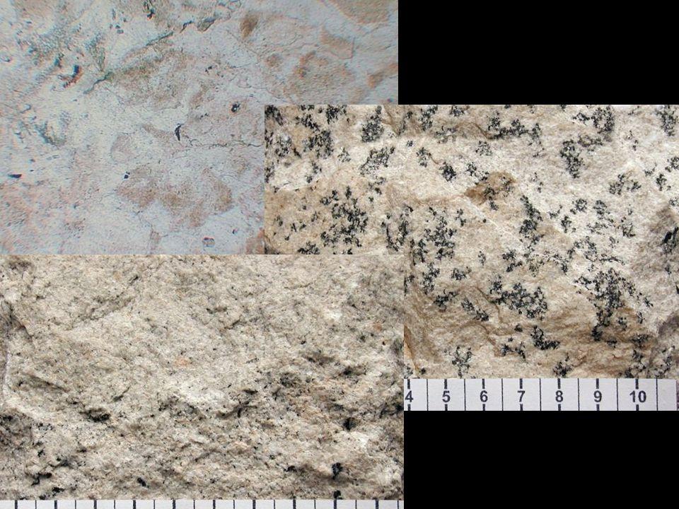 """• nahromadění velkého množství těkavých látek umožnilo """"pegmatitovému magmatu snadno migrovat horninovým prostředím na velké vzdálenosti od zdroje • snadná mobilita iontů • vznik velkých krystalů • velikost krystalů od 2 mm do několika metrů • stejné chemické složení jako aplity • struktura hrubozrnná až velmi hrubozrnná • zonálnost pegmatitů (4 zóny) • zóny se od sebe liší strukturně i mineralogicky • první zóna při okraji žíly je jemnozrnná, tvořená aplitickou složkou nebo je složena z křemene a draselného živce, uspořádaných do písmenkovité struktury • v dalších zónách směrem do středu žíly narůstá velikost krystalů • v těchto zónách se vedle křemene a draselných živců vyskytuje také muskovit, turmalín, lepidolit, beryl, biotit, minerály vzácných zemin, atd."""