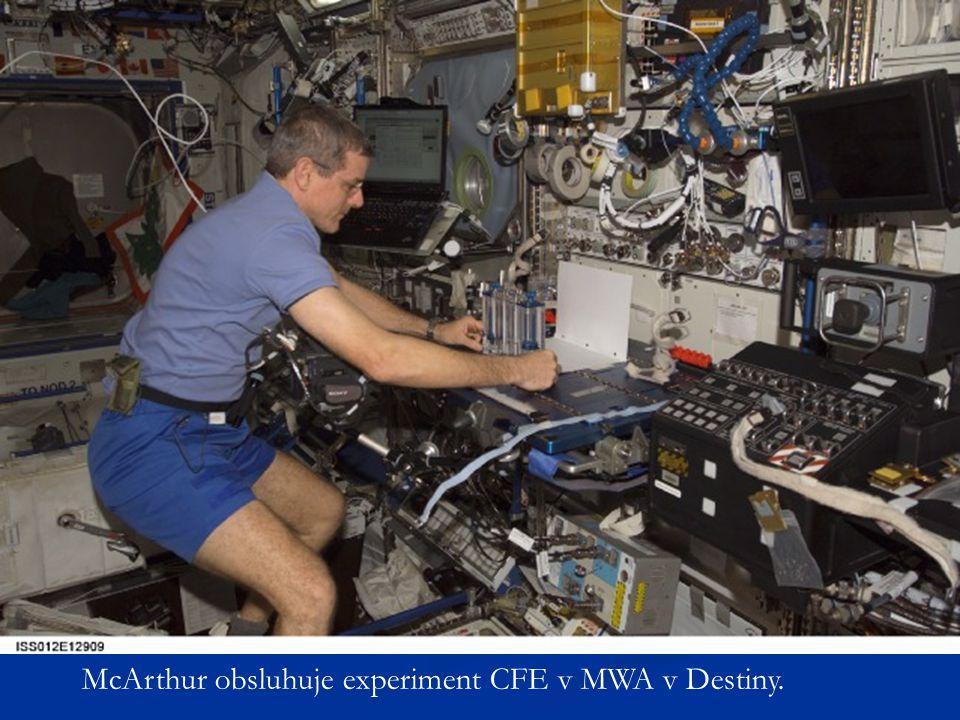 McArthur obsluhuje experiment CFE v MWA v Destiny.