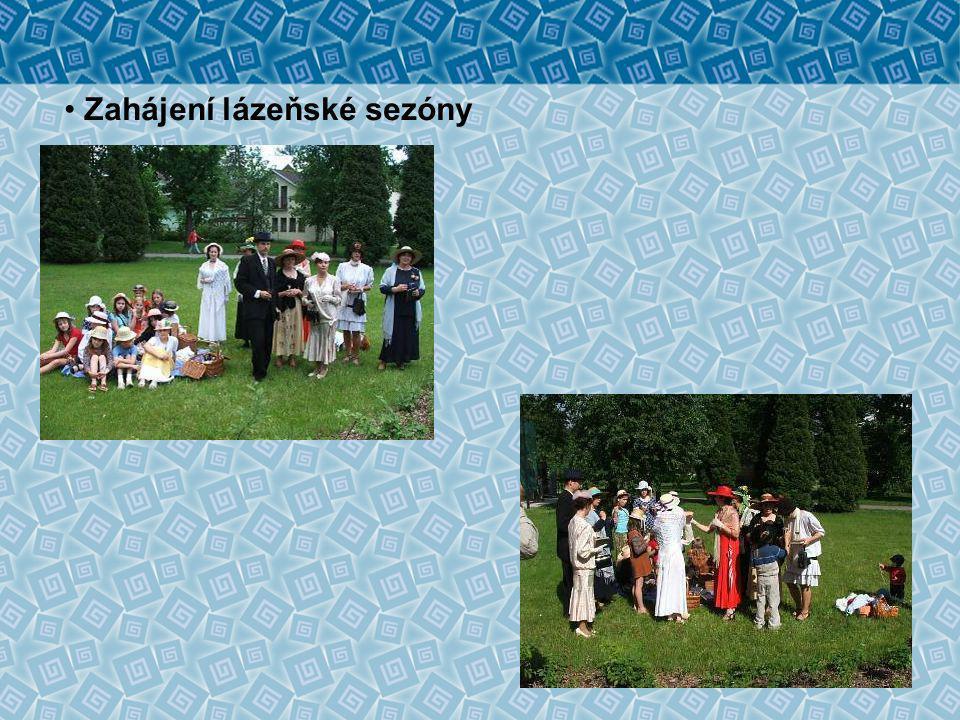Lázeňské večerníčky na kamenech za knihovnou • slavnostní zahájení večerníčků historikem F.