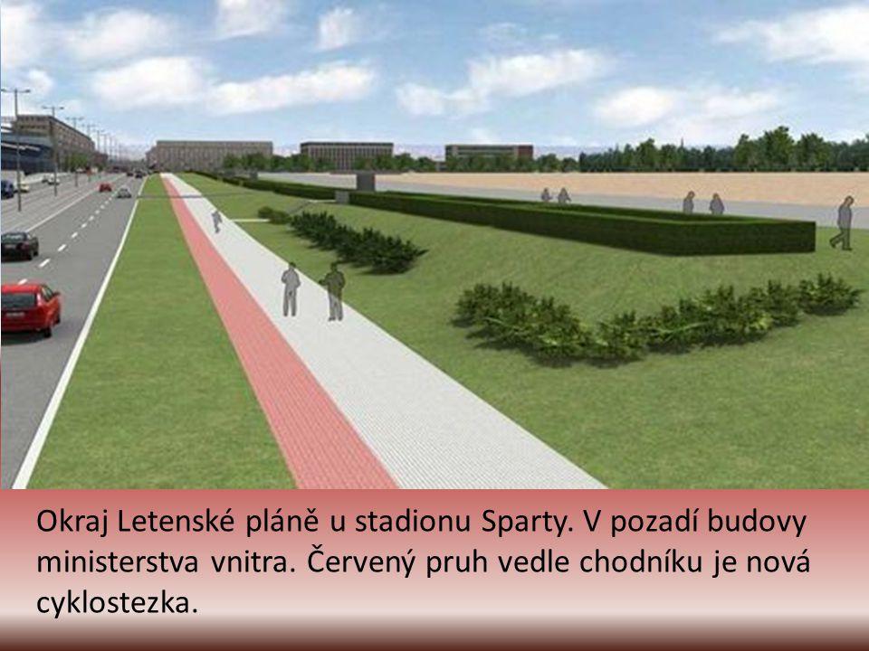 Ulice Milady Horákové u zastávky metra Hradčanská. Nové jsou zastávky jak pro tramvajovou, tak i autobusovou dopravu.