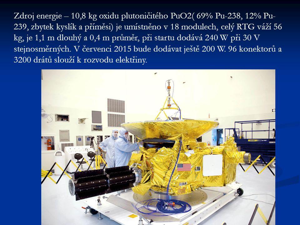 Zdroj energie – 10,8 kg oxidu plutoničitého PuO2( 69% Pu-238, 12% Pu- 239, zbytek kyslík a příměsi) je umístněno v 18 modulech, celý RTG váží 56 kg, je 1,1 m dlouhý a 0,4 m průměr, při startu dodává 240 W při 30 V stejnosměrných.