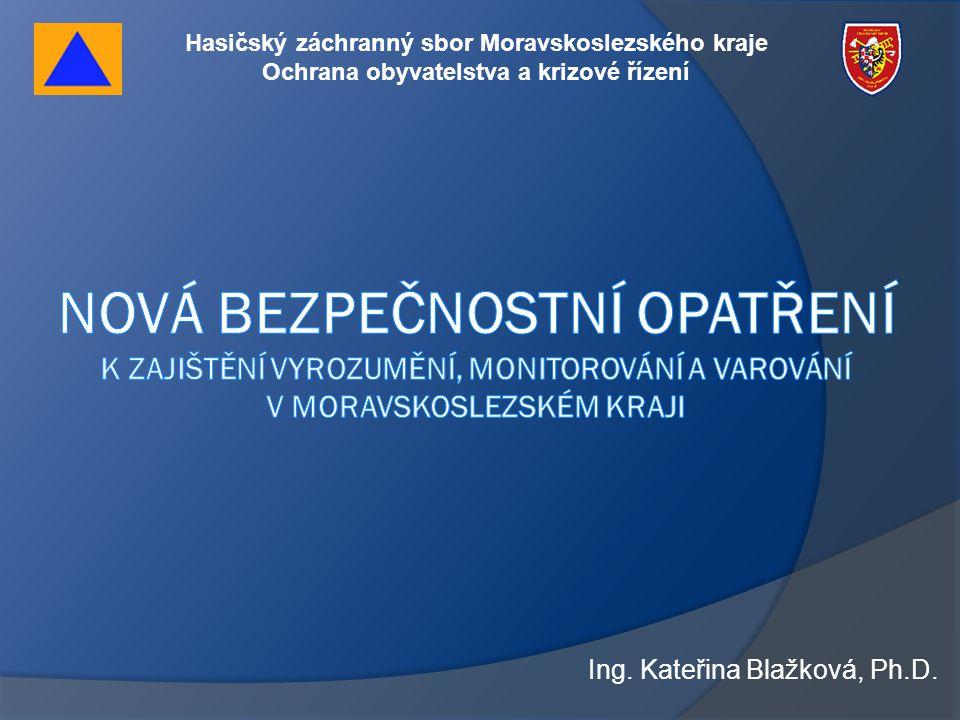 """Nová bezpečnostní opatření k zajištění vyrozumění, monitorování a varování v Moravskoslezském kraji •Nový nebo nástavba k DUPLEX MSKP •Tři režimy provozu (provoz, servis, alarm) •Koncentrace na čidlech •Potvrzující zprávy od obsluhy VAS •Stav akumulátorů (napětí, napájení) •Teplota DR •Otevření dvířek DR •Časová osa těchto dat •Přenos datové věty do ISV při stavu alarm •Ostatní stavy na úrovni """"dohledu Klientský SW pro pracoviště dohledu na OPIS IZS"""