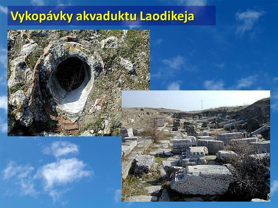 Vykopávky akvaduktu Laodikeja