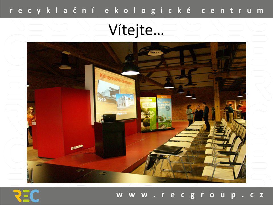 Surovárna – přednáškový sál • Kapacita 30 míst, sál je vybaven audiovizuální technikou, včetně dataprojektoru a plátnem.