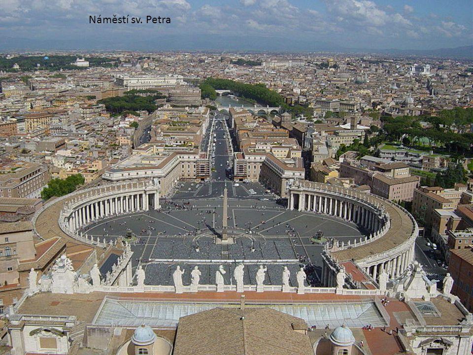 • Vatikán je stát církevní nebo duchovně monarchistický, kterému vládne římský biskup - papež. Nejvyšší státní činitelé jsou všichni katoličtí duchovn