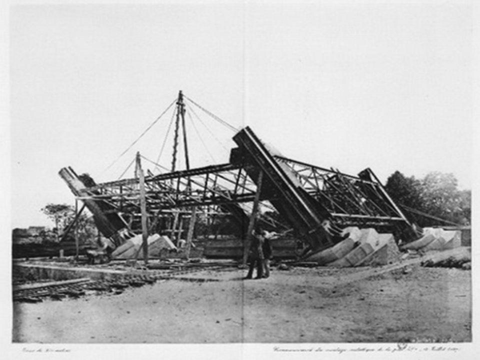 Dokončení Eiffelovky v roce 1889 bylo uvítáno 21 salvami z děla.
