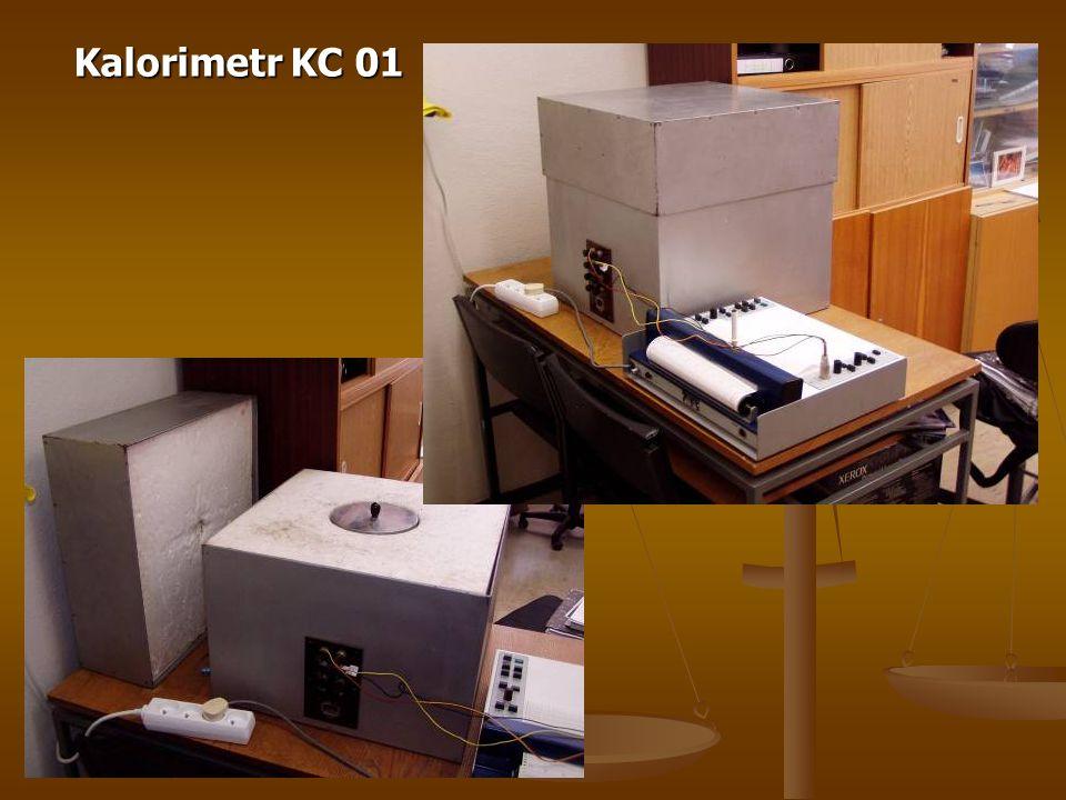  Navážka a dávkování vody - 1-2 g cementu v měděné nádobce na vzorek - 1-2 g cementu v měděné nádobce na vzorek - pro měření byl používán vodní součinitel 1 - pro měření byl používán vodní součinitel 1