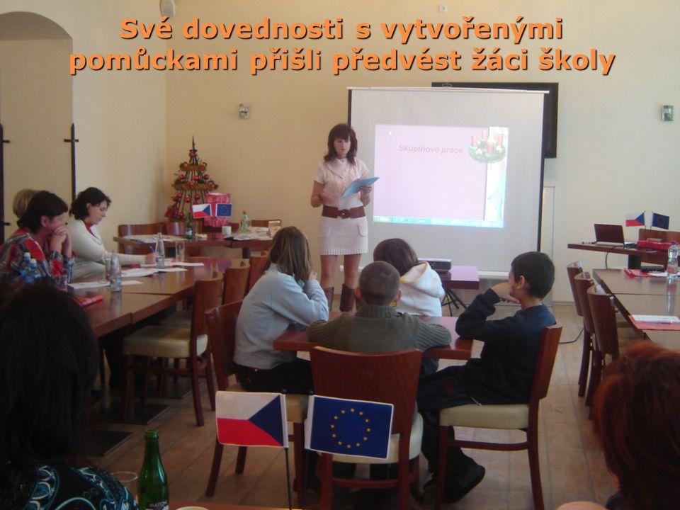 Své dovednosti s vytvořenými pomůckami přišli předvést žáci školy