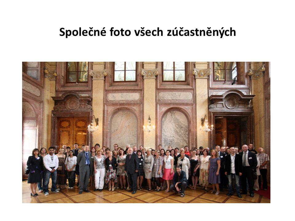 Společné foto všech zúčastněných