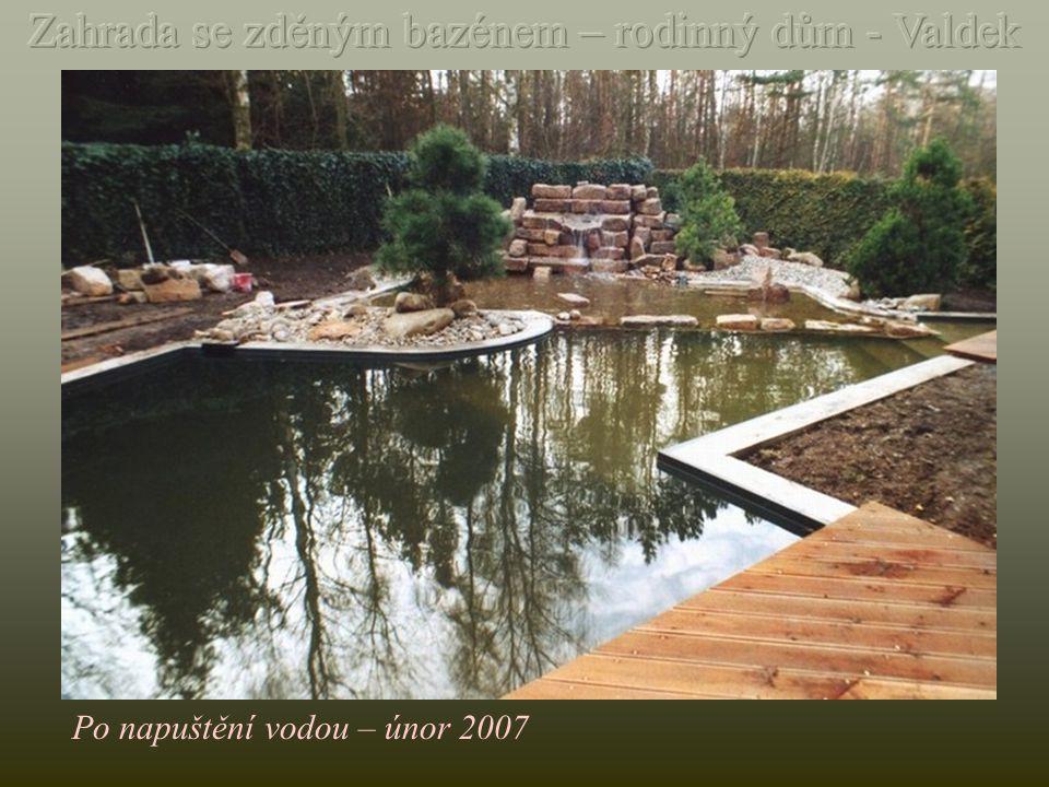 Realizace zahrady - leden-březen 2007 Výkop zeminy a položení armování