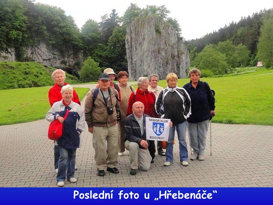 Paní Olejníková po prohlídce jeskyně na obědě