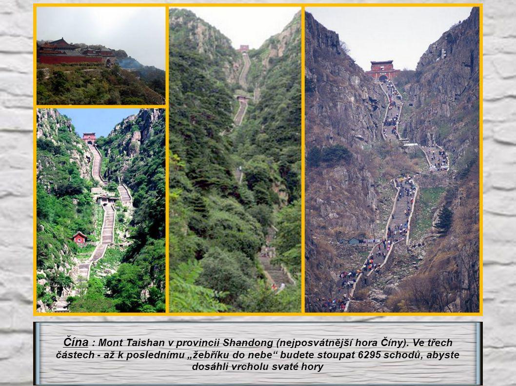 Nepal : Ghorepani 2875 m – stoupání na 3280 schodech. Umožní nádherný výhled na pásmo Annapurny
