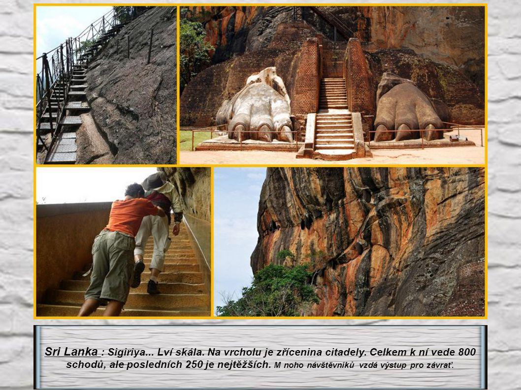 S ri Lanka : Minhintale. 1840 schodů vede k soše velkého Buddhy na meditační skále.