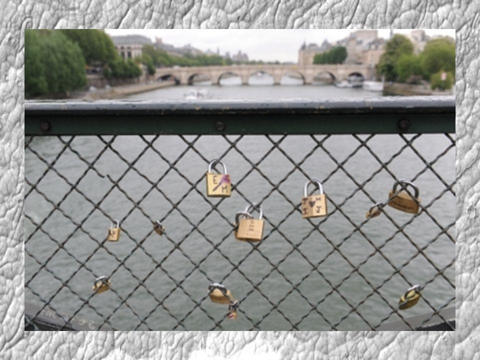 Milenci v románu Chci tě italského spisovatele Federika Moccii stvrzují svou lásku tím, že na most Milvio v Římě pověsí zámek. Právě na tomto mostě mě