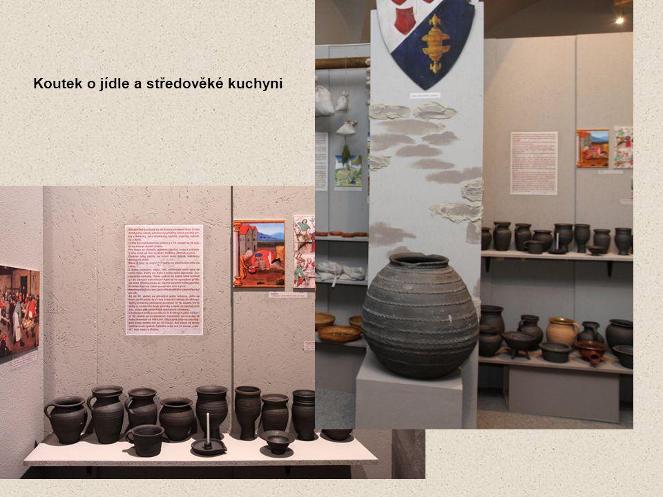 Koutek o jídle a středověké kuchyni