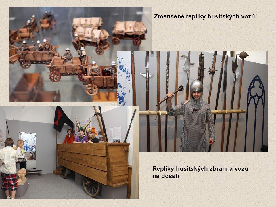 Zmenšené repliky husitských vozů Repliky husitských zbraní a vozu na dosah