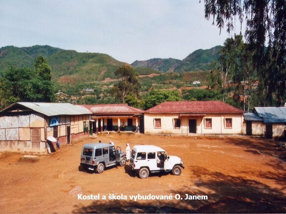 Kostel a škola vybudované O. Janem