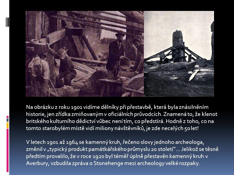 Na obrázku z roku 1901 vidíme dělníky při přestavbě, která byla znásilněním historie, jen zřídka zmiňovaným v oficiálních průvodcích.