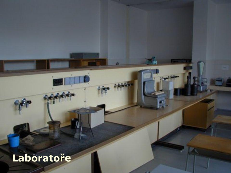 SPŠ stavební, Ostrava, příspěvková organizace čtvrtek 9. prosince 2010 a úterý 18. ledna 2011 vždy od 9 do 11 a od 13 do 17 hodin Dny otevřených dveří