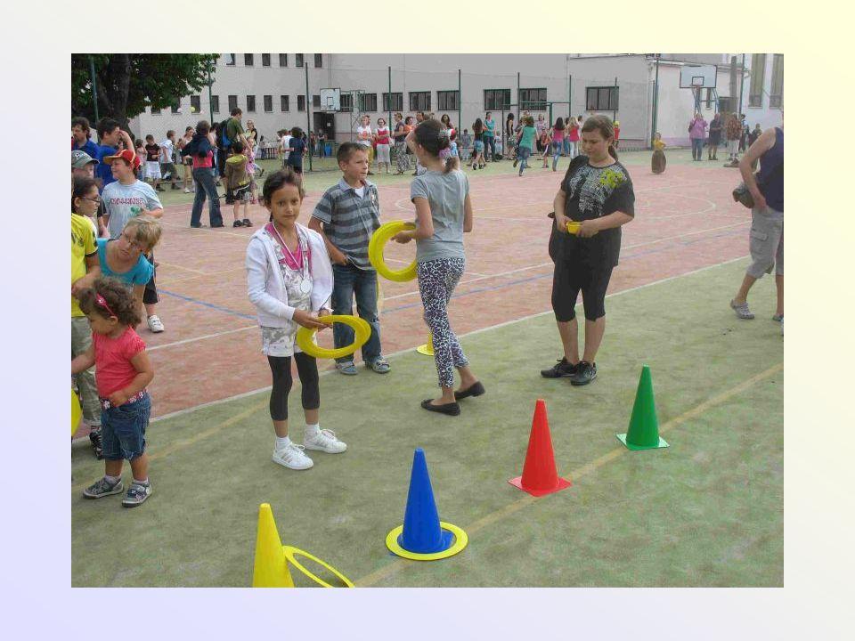 Aktivity pro pedagogy • pro celý pedagogický sbor • Šikana - Mgr.