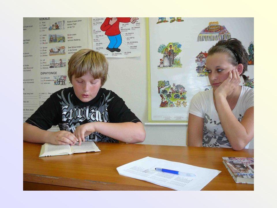 Spolupráce s OSPOD • výborná vstřícnost a spolupráce v oblasti • záškoláctví • zanedbání dítěte • při výchovných problémech žáků • účast na VK • účast na preventivních besedách