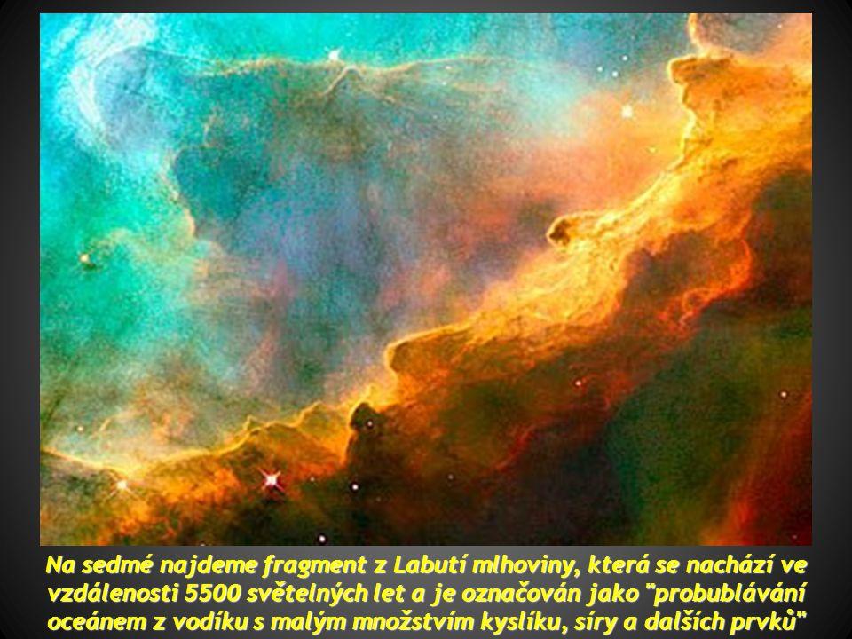 Na šesté vidíme kuželovou mlhovinu, vzdálenou 2,5 světelných let Na šesté vidíme kuželovou mlhovinu, vzdálenou 2,5 světelných let